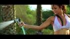 Amrita Arora in Hot bikini seduces Aftab Shivdasani - Kambakkht Ishq